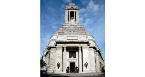 jr-freemasons-hall-artistic-uvl-autumn-2008-012